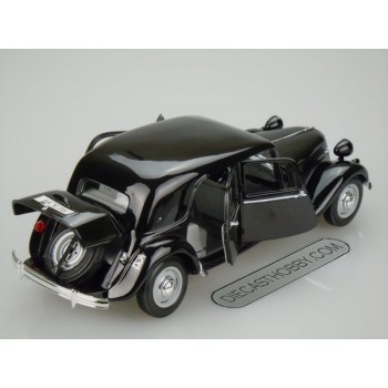 1952 Citroen 15CV 6 Cyl (Special Edition) by Maisto 1:18 (Black)