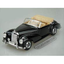 1955 Mercedes-Benz 300S Cabriolet (Special Edition) by Maisto 1:18 (Black)