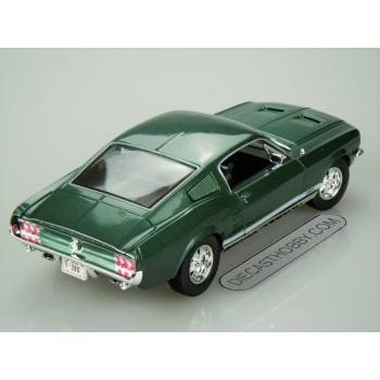 1967 Ford Mustang GTA Fastback (Special Edition) by Maisto 1:18 (Green)