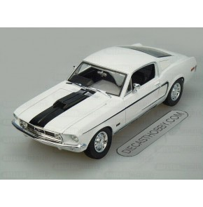 1968 Ford Mustang GT Cobra Jet (Special Edition) by Maisto 1:18 (White)