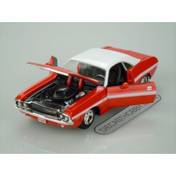 1970 Dodge Challenger R/T Coupe (Special Edition) by Maisto 1:24 (Red & White roof)
