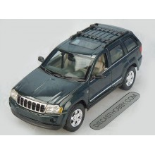 2005 Jeep Grand Cherokee (Special Edition) by Maisto 1:18 (Dark Green)