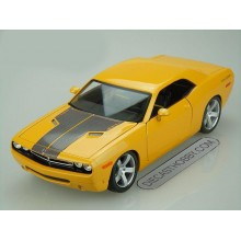 2006 Dodge Challenger Concept (Premiere Edition) by Maisto 1:18 (Yellow)