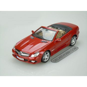 2009 Mercedes-Benz SL 550 (Special Edition) by Maisto 1:18 (Red)