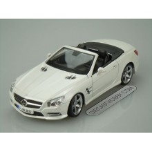 2012 Mercedes Benz SL 500 (Special Edition) by Maisto 1:18 (White)