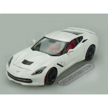 2014 Chevrolet Corvette Stingray Z51 (Special Edition) by Maisto 1:18 (White)