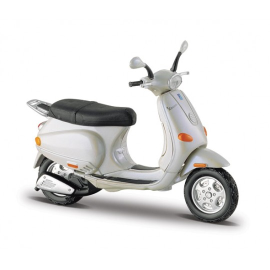 2003 Vespa ET4 (Special Edition) by Maisto 1:18 (Silver)