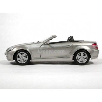 Mercedes Benz SLK Convertible (Special Edition) by Maisto 1:18 (Silver)
