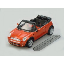 Mini Cooper Cabrio (Special Edition) by Maisto 1:24 (Bronze)