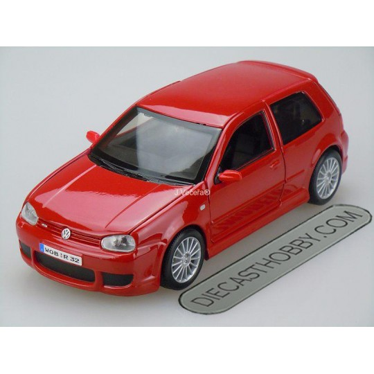 Volkswagen Golf R32 (Special Edition) by Maisto 1:24 (Red)